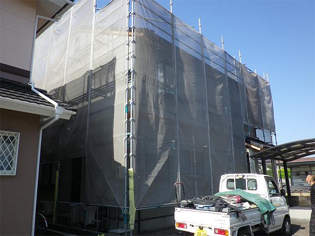 倉敷市安江 N様邸 屋根外壁塗り替え工事施工中