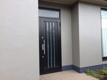 新築の様になった玄関