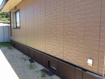 完成した外壁と基礎