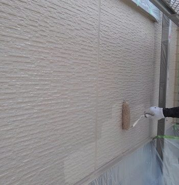 外壁塗装の上塗り2回目