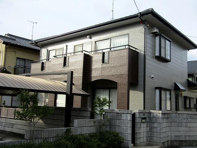 岡山市北区横井 外壁はアウトレット塗料を使用しベランダはFRP防水を