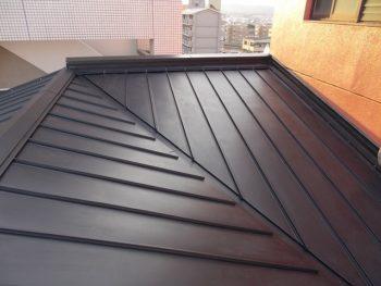 屋根のガルバリウム鋼板張り替え完成