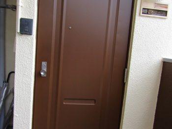 玄関ドアの完成