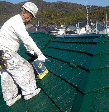 屋根の塗装上塗り2回目