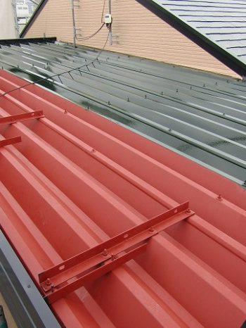 屋根の塗り替え中