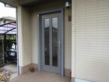 色褪せたドア