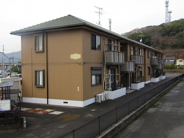 岡山市東区のアパート2棟の塗装 落ち着いた雰囲気に