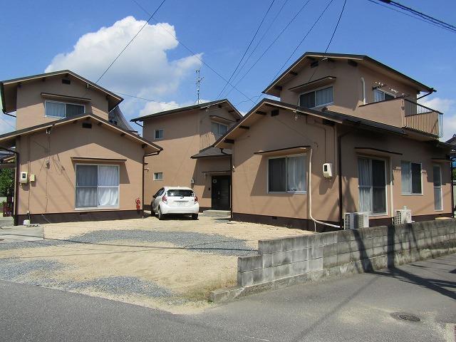 岡山市中区で借家3棟の塗り替えと瓦の葺き替え工事