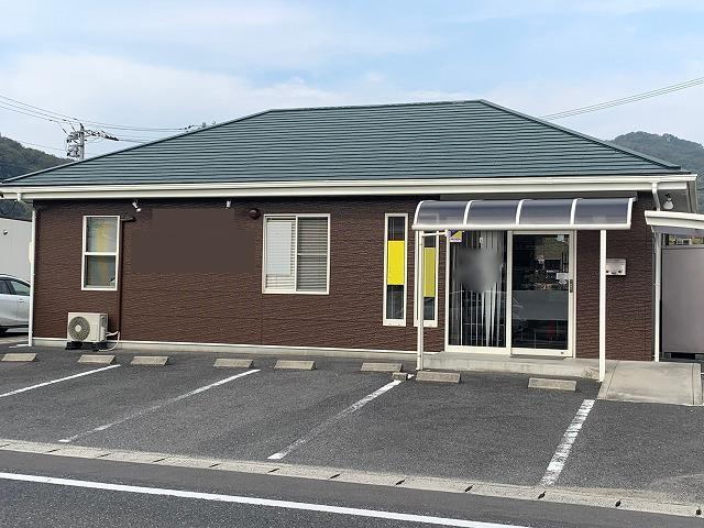 小田郡矢掛の店舗を外壁も屋根も長持ちのフッ素で塗り替えました