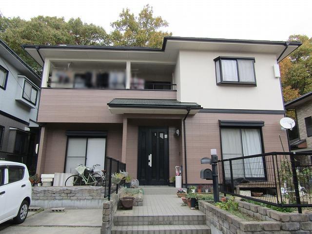 岡山市北区 外壁はアウトレット、屋根は無機塗料で塗装
