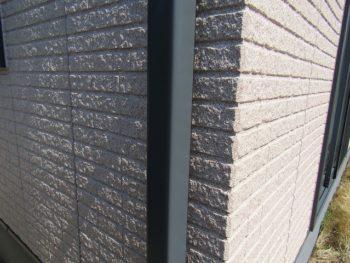 外壁の吹き付け塗装の完成