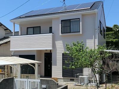 岡山市で屋根・外壁フッ素塗装 屋根とベランダの柱から雨漏り