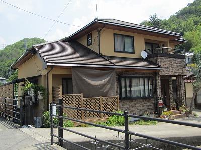 広島県で外壁はクリアー塗装と汚れを防ぐトップコートを!