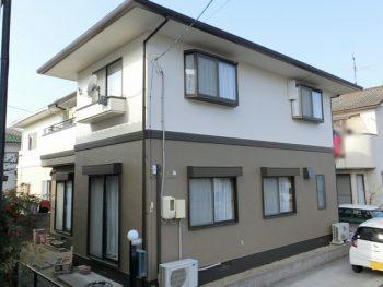 岡山市で外壁は無機で塗装、屋根はカバー工法できれいな板金屋根に