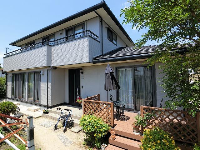 岡山市北区 外壁をフッ素塗料で塗装し汚れにくくなりました!