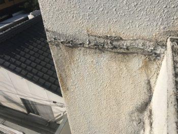 雨漏りによる塗膜剥離