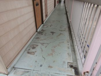 床のシート張り工事前