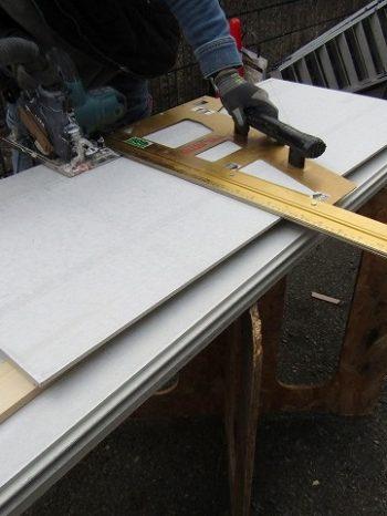 サイディング板をカット
