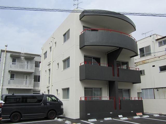 岡山市アパート 外壁塗装・防水工事で雨漏り解消 注入工事も!