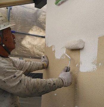外壁塗装下塗りの山あげ