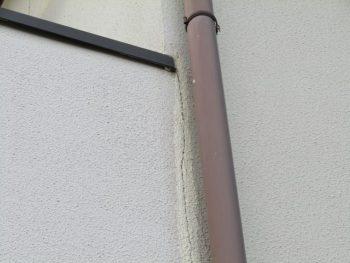 増築部分の壁のひび割れ