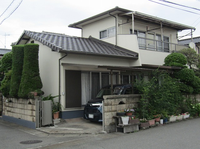 倉敷市で屋根の葺き替え工事と外壁塗装は厚膜凹凸仕上げ!