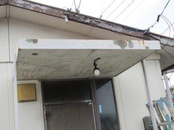 破風や玄関の劣化状況