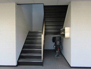 階段の塗装完成