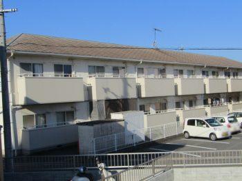 塗装前のアパート全景