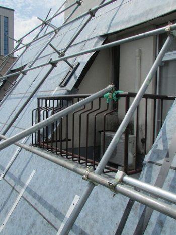 屋根防水シート貼り付け